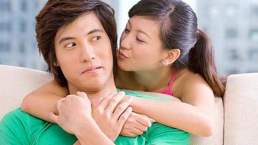 Đàn ông luôn thích được quan tâm chia sẻ với người mình yêu