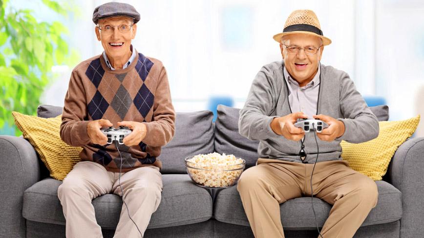 Tuy lớn nhưng vẫn thích chơi game là một sở thích chung kỳ lạ của hầu hết đàn ông