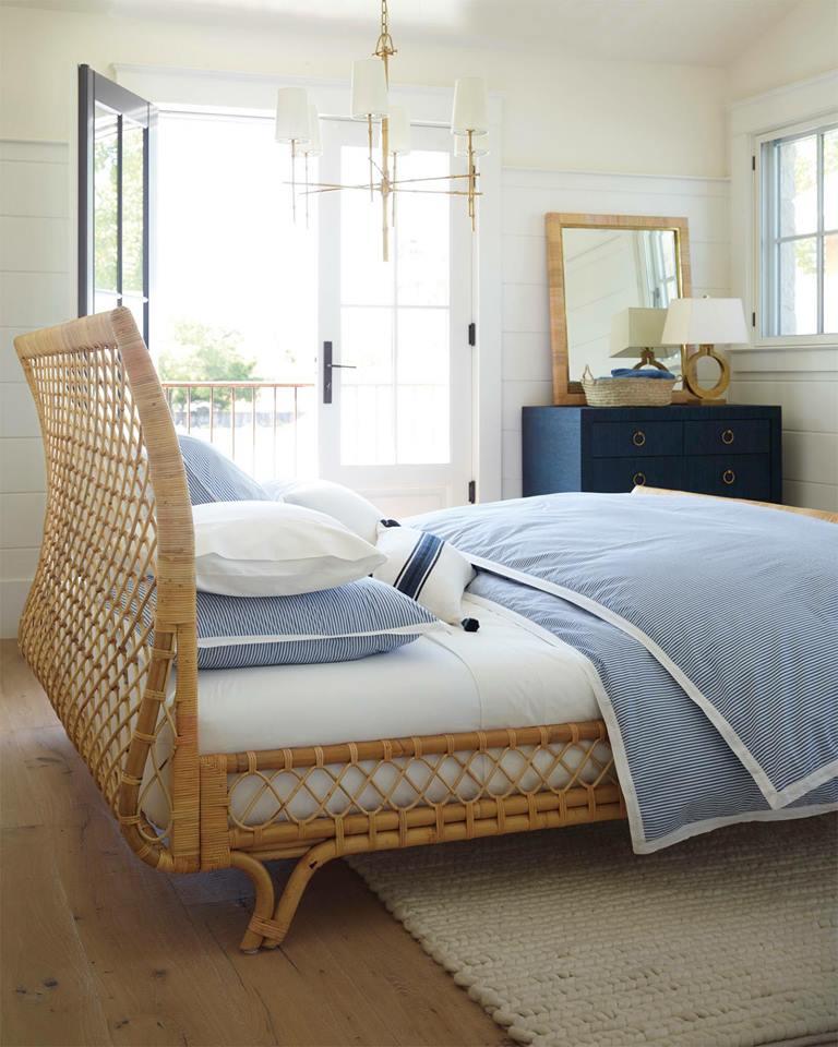 Giường và kệ chân giường bằng mây tre lá