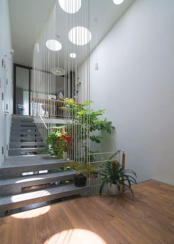 Trang trí đèn, thiết kế ánh sáng cho cầu thang