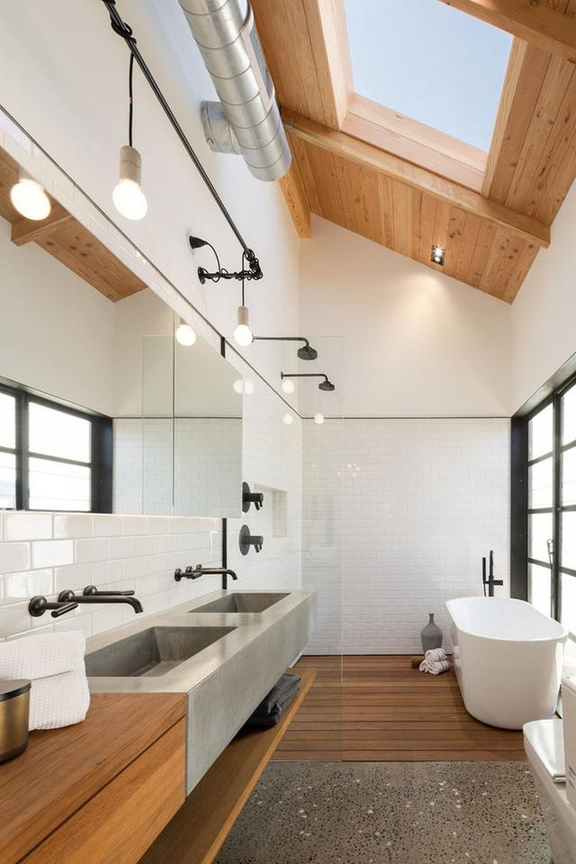 Nhà tắm phong cách công nghiệp mang hơi hướng hoài cổ về thời các cuộc cách mạng công nghiệp thế kỷ trước