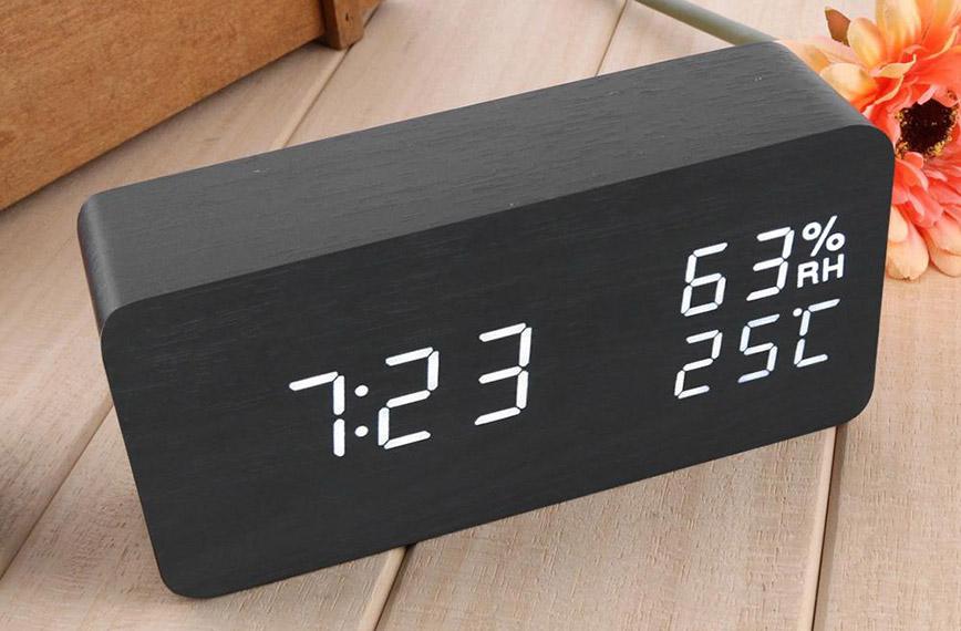 Đồng hồ led xinh xắn, hiện đại, đa năng cho phòng ngủ