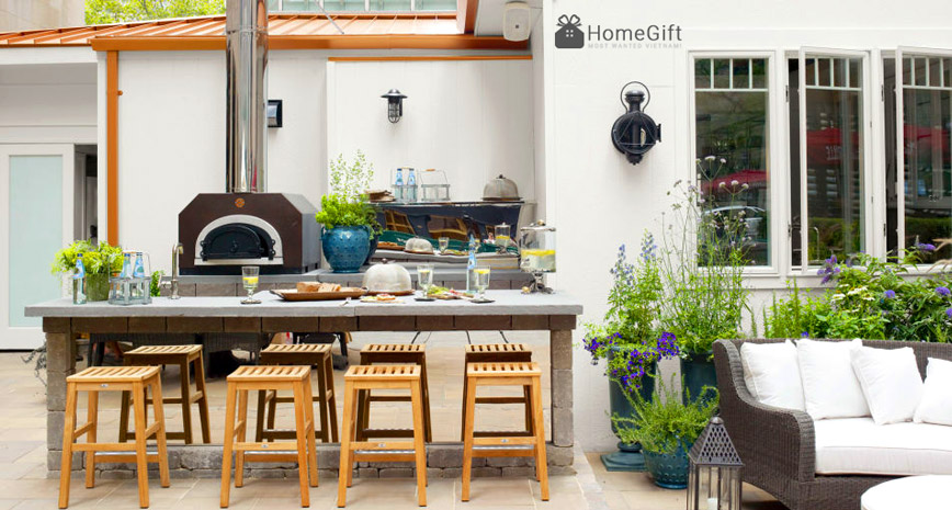 Một căn bếp ngoài trời là không gian tuyệt vời với cây xanh