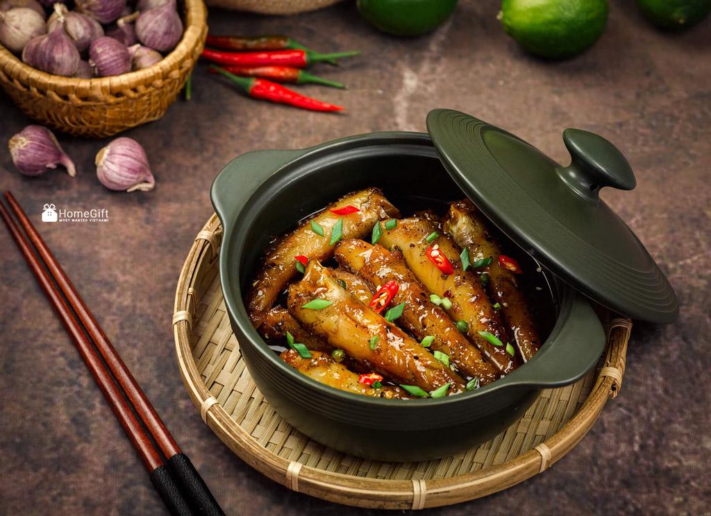 Kho cá với nồi sứ dưỡng sinh của Minh Long - Món ngon vì sức khỏe của người Việt