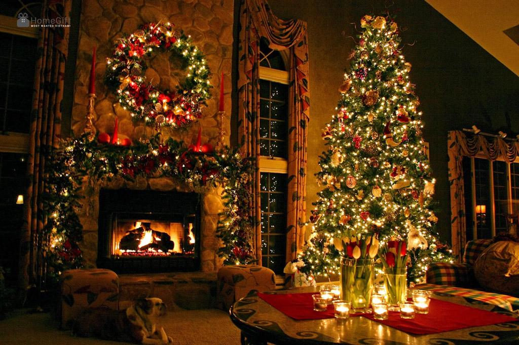 Cây thông Noel vật trang trí không thể thiếu trong ngày Noel