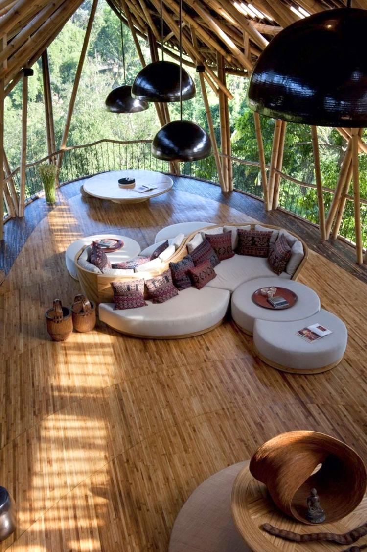 Không gian độc đáo phòng áp mái kiểu căn nhà trên cây