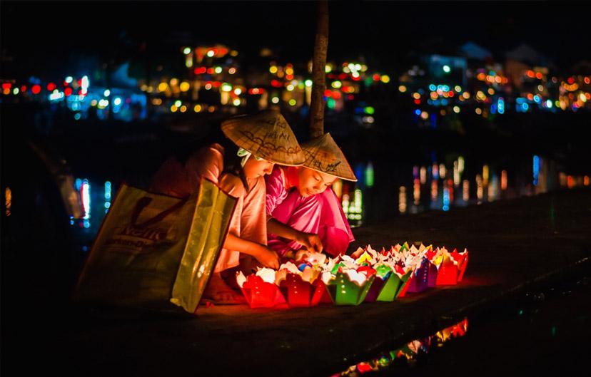 Đèn hoa đăng - lễ hội rằm và Trung thu thả đèn hoa 2018