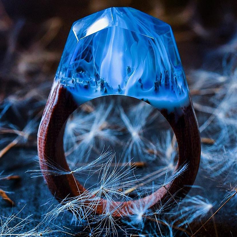 Nhẫn gỗ resin tuyệt đẹp màu xanh blue sương khói huyền ảo