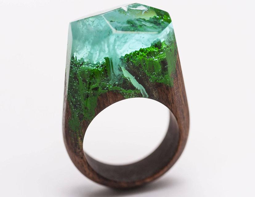 Nhẫn gỗ resin tự làm - cả thế giới thu nhỏ