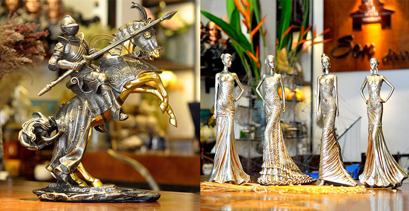 Tượng decor kỵ binh cataphract bằng nhựa tổng hợp, thiết kế chi tiết tinh xảo, sang trọng thích hợp mua về trưng bày hoặc làm quà tặng.