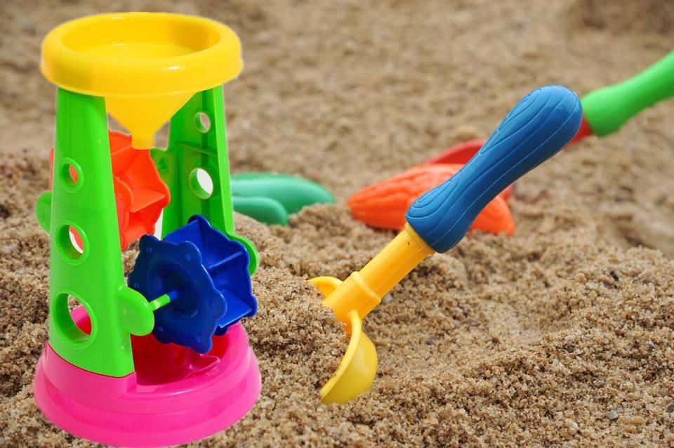 Đồ chơi xúc cát hình tháp, thả cát có guồng quay