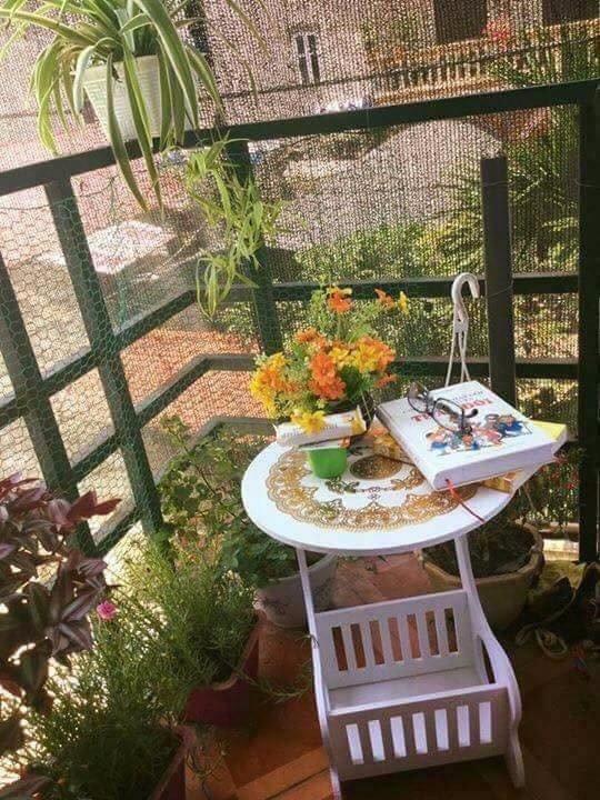 Bàn nhỏ gọn, đa năng, chống nước và độ bền cao có thể đặt ngoài ban công để uống trà, đọc sách...