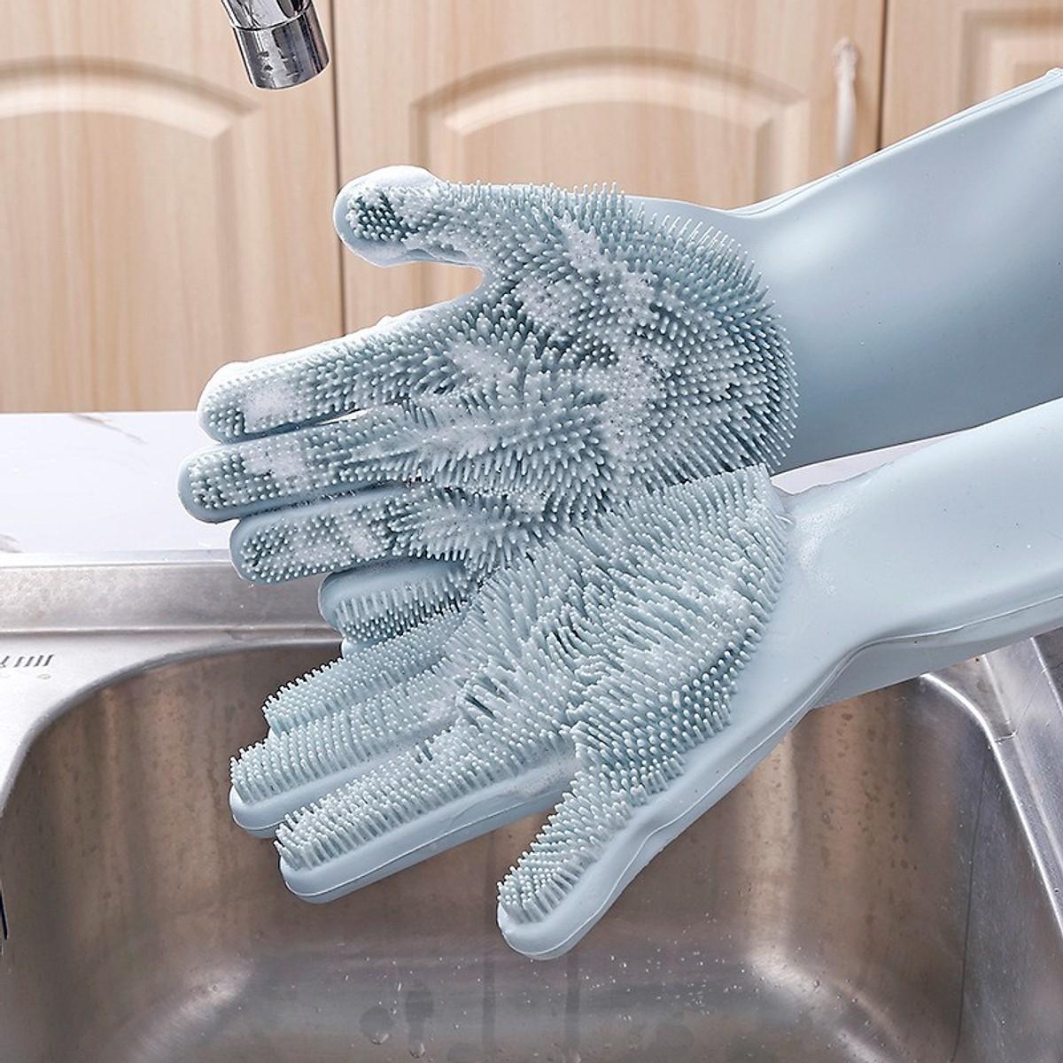 Găng tay cao su với lớp gai ngay lòng bàn tay giúp cọ rửa sạch bát đĩa, lau chùi nhà cửa, vệ sinh mà ko làm hại da tay