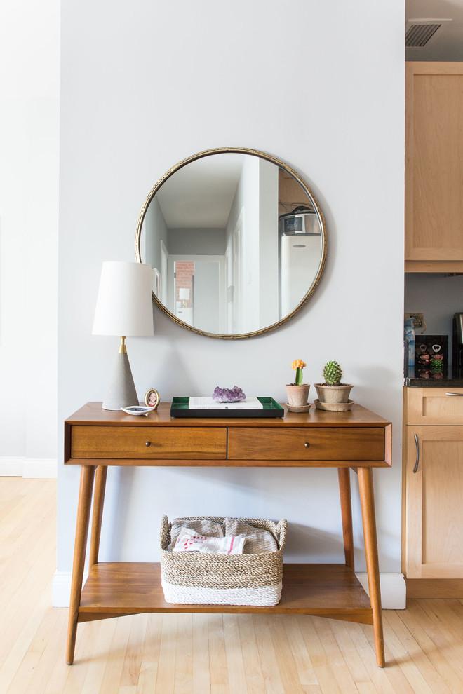 Gương trang trí hình tròn gắn tường hiện đại