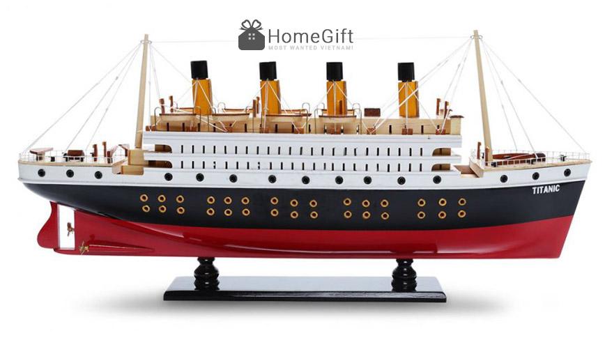 Mô hình tàu Titanic nổi tiếng vì yểu mạng