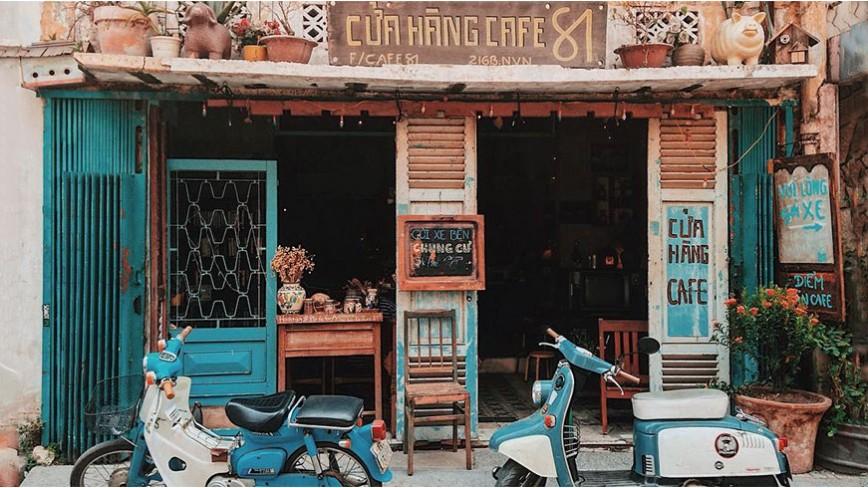 Sống lại cả vùng trời tuổi thơ với lối trang trí quán cà phê hoài cổ