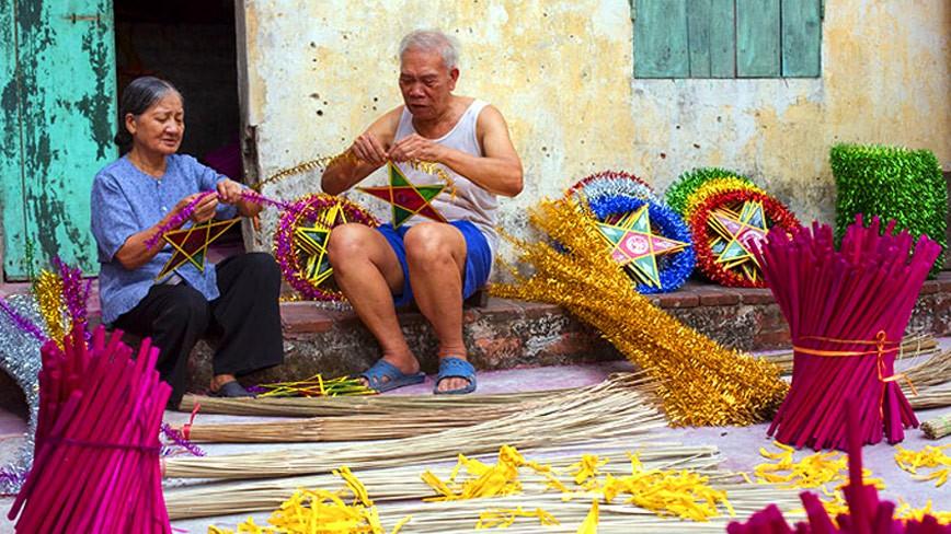 DIY - Hướng dẫn cách làm lồng đèn ông sao truyền thống đón Tết Trung Thu